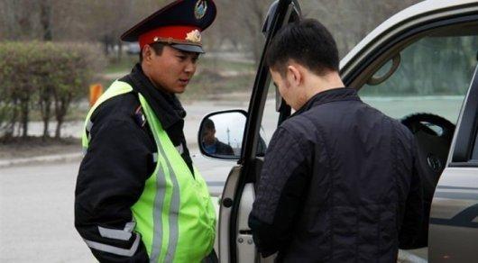 Полицейские Астаны начнут заполнять административные протоколы на планшетах онлайн