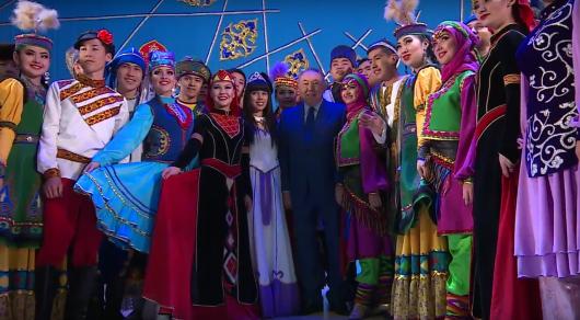 Назарбаев: После перехода налатиницу Казахстан незабудет российский язык