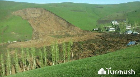Нурсултан Назарбаев соболезнует Кыргызстану— катастрофа вУзгене