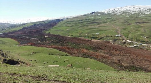 На юге Кыргызстана сошел еще один оползень