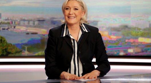Ле Пен пообещала вернуть национальную валюту Франции