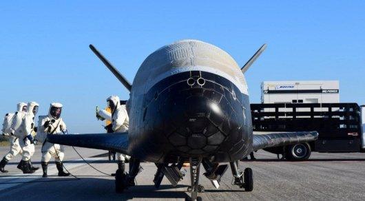 Секретный самолет США вернулся на Землю после двухлетней миссии на орбите