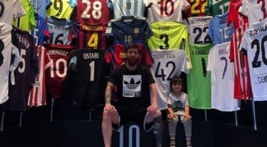 Футболки с фото футболистов рональдо и мессив