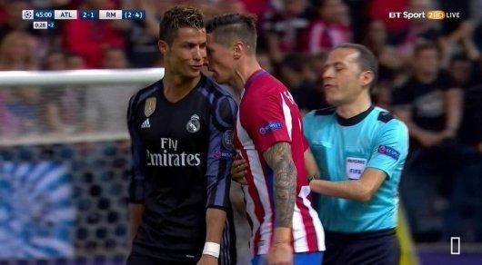 Криштиану Роналду иФернандо Торрес поругались вовремя полуфинального матча Лиги чемпионов