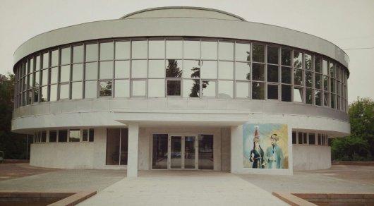 Реконструкцию Дворца бракосочетания в Алматы хотят закончить раньше срока