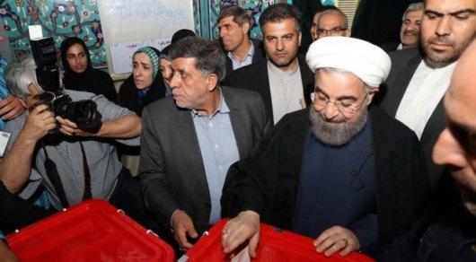 Хасан Роухани лидирует на президентских выборах в Иране