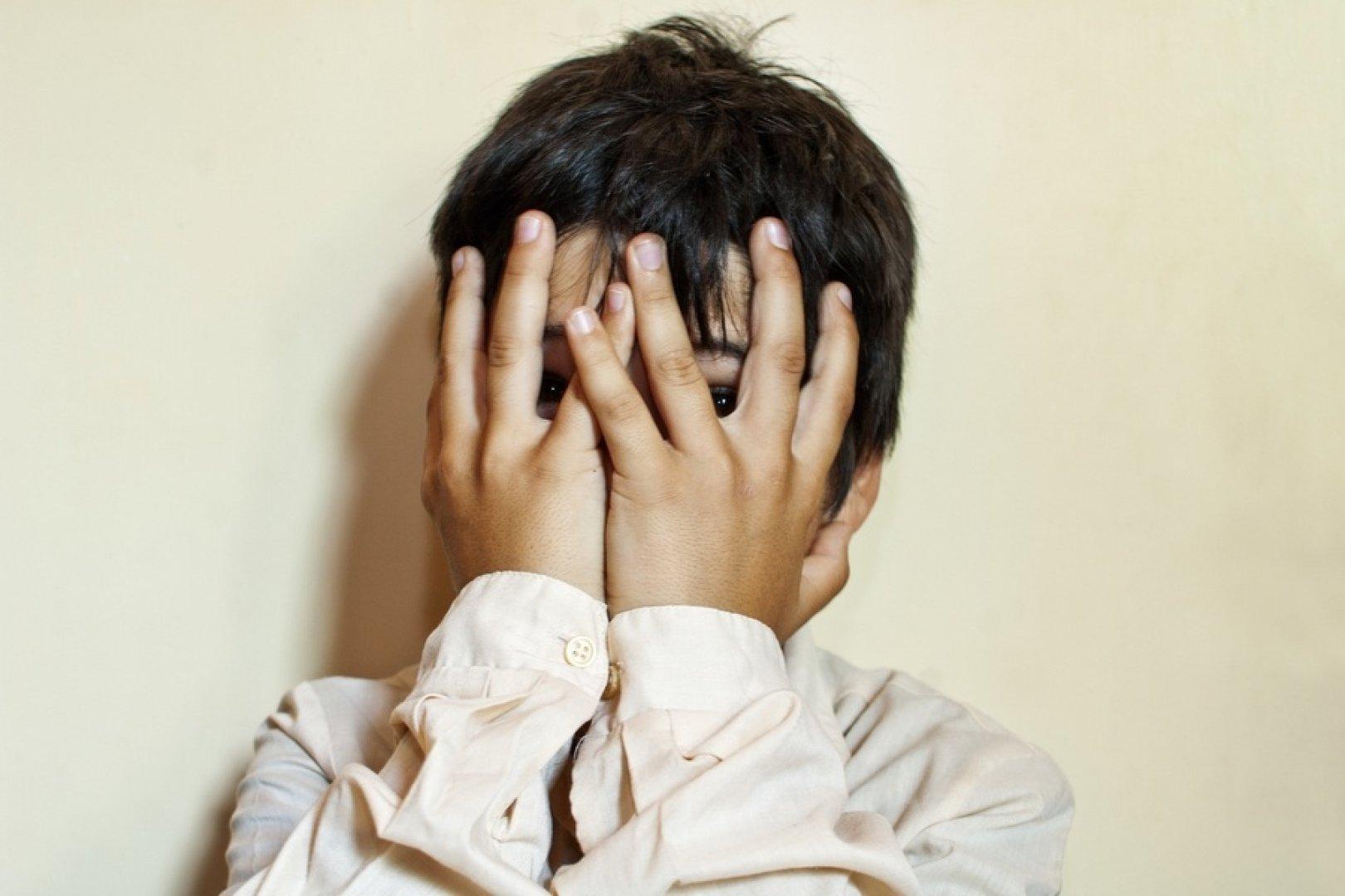 Сын наказал свою мать жестоко, Властная мать наказала нахального сына 22 фотография