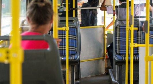 Отказаться от кондукторов автобусов хотят в Астане