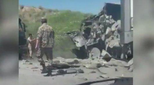 Один человек погиб при лобовом столкновении грузовиков в Алматинской области