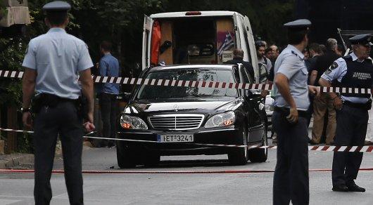 Автомобиль экс-премьера Греции подорвали в Афинах