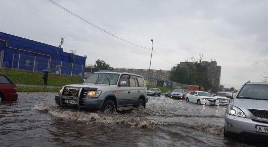 В Алматы водители снова