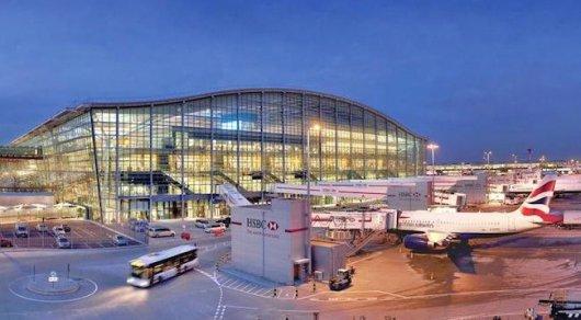 British Airways отменила все вылеты из двух крупнейших аэропортов Лондона