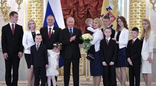 Путин не смог утешить расплакавшегося в Кремле мальчика