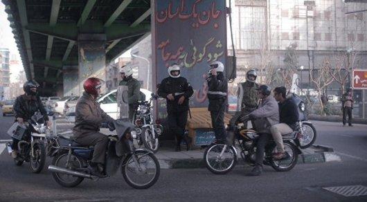 Мощный взрыв прогремел в торговом центре Ирана