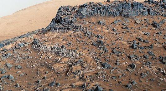 Спутник отыскал наМарсе огромную дыру