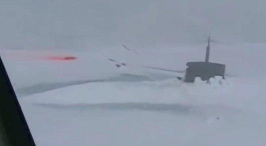 В Сети появилось видео всплывшей в Арктике секретной американской подлодки