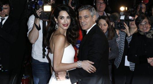 Жена Джорджа Клуни родила двойню