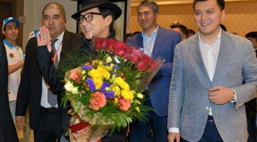 Джеки Чан: Всегда мечтал приехать в Казахстан и заняться здесь кинематографом