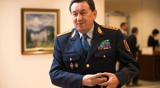 Любовь без границ: казахстанец просит главу МВД помочь вернуть депортированную жену из КНР