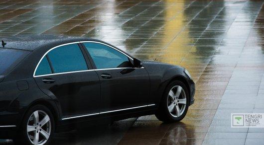 Кражи тормозных систем из автомобилей Mercedes в Алматы: воры вскрывают капоты