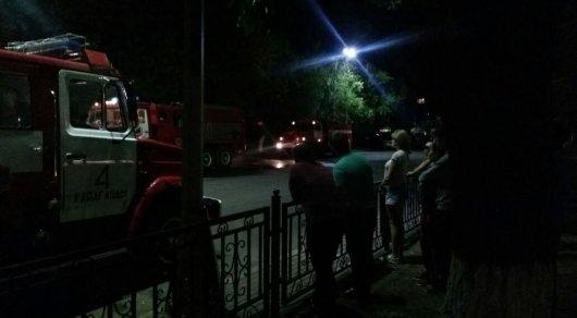 Почти 500 карагандинцев эвакуировали после пожара в магазине