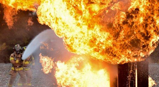 Два человека погибли и еще несколько пострадали при взрыве на заправке в Иссык-Кульской области