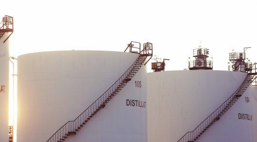 Цены на нефть упали до полугодового минимума