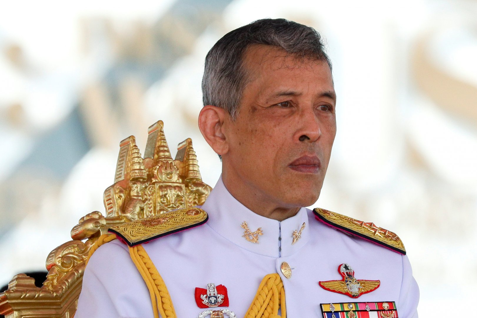 the king of thailand The king of thailand is the head of the state he is above politics and cannot say or do anything biased the late king had done his duties pretty well under the constitution, the king has veto power.