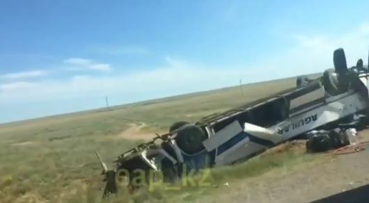 Девять жителей Узбекистана, ехавших изВолгограда, погибли вДТП вКазахстане