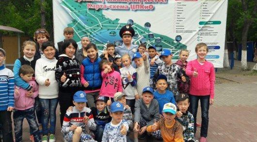 Полицейский из Караганды потратил свои отпускные на праздник для детей-сирот