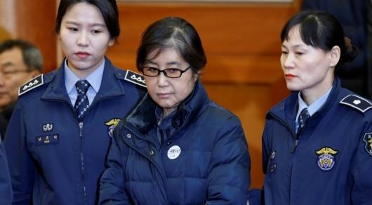 Подруге-гадалке экс-президента Южной Кореи назначили тюремный срок