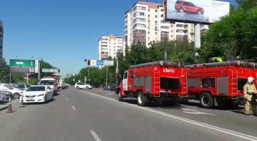 Пожар в 12-этажном жилом доме в алматинском