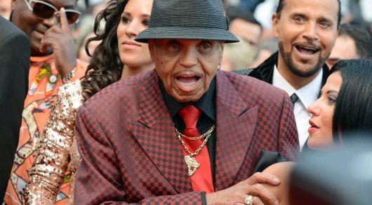 Отца Майкла Джексона госпитализировали после ДТП вЛас-Вегасе