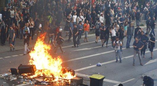 «Боевые действия идымящийся ад»: Захарова показала видео беспорядков вГамбурге