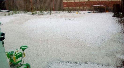 Снег и крупный град обрушились на ЗКО
