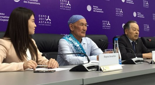 74-летний ветеран КНБ приехал на EXPO в Астану автостопом