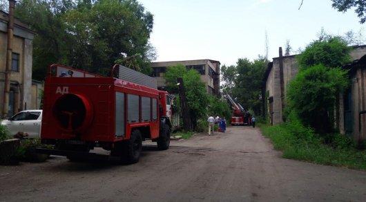 В Алматы произошел пожар на территории машиностроительного завода имени Кирова
