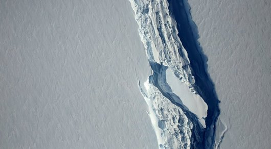 Айсберг весом в триллион тонн откололся от ледника в Антарктиде