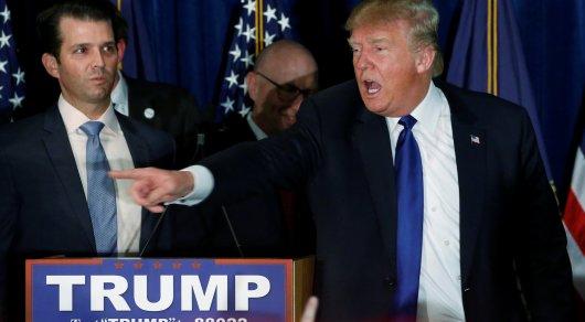 Кресло Трампа пошатнулось. Конгрессмены впервые призвали к импичменту президента