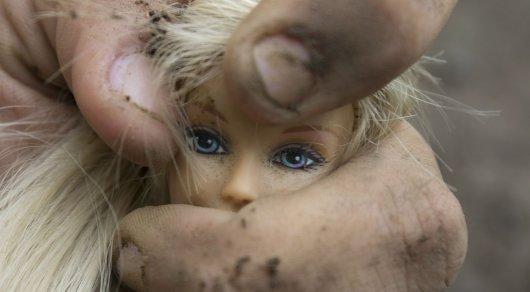 Мать семилетней жертвы педофила защищала насильника в суде в ВКО