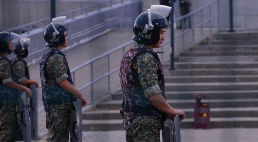 Полицейские провели задержание в Алматы
