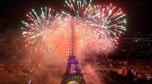 В День взятия Бастилии во Франции сожгли 900 машин