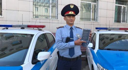 Сколько штрафов оформили полицейские Астаны через планшеты за сутки