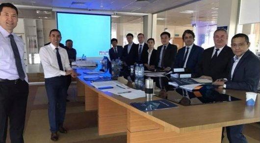 В казахстанской компании начали работать стоя
