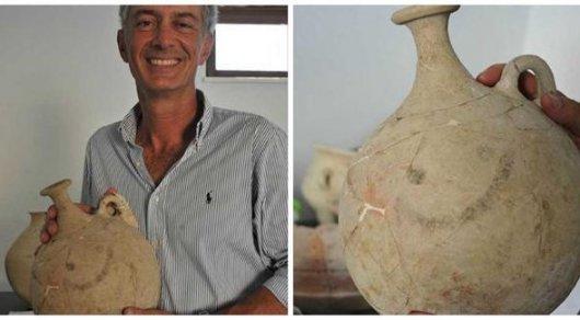 Самый древний смайлик в мире обнаружили в Турции