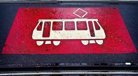Пенсионерке, попавшей под трамвай в Усть-Каменогорске, ампутируют ногу