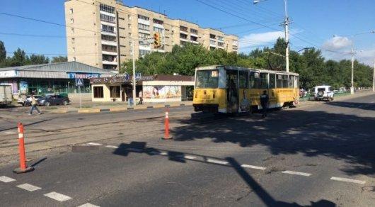 Попавшая под трамвай пенсионерка скончалась перед операцией по ампутации ноги