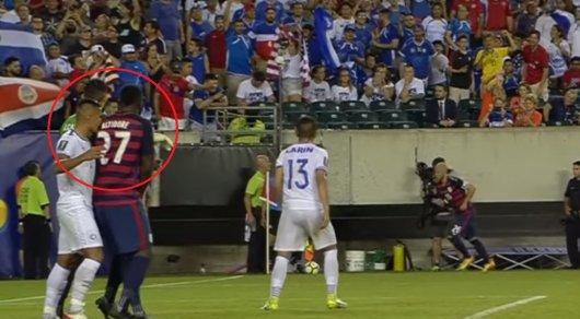 Футболисты Сальвадора покусали игроков команды США