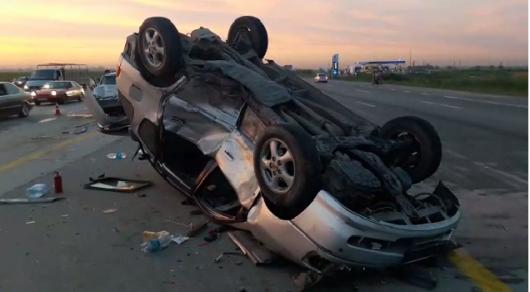 Авто перевернулось на трассе Алматы-Капшагай: 2 детей и 5 взрослых пострадали