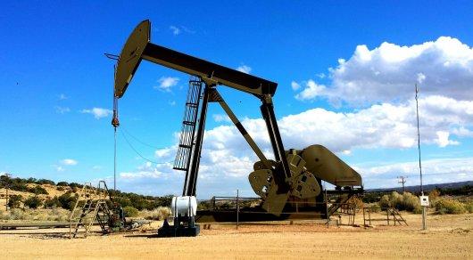Предполагаемая цена на нефть в прогнозе МВФ на 2017-2018 годы стала ниже на три доллара